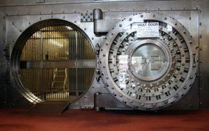 Safe-opening-Vault 512